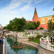 Прогулка по Александровскому саду