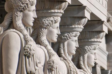 Древняя Греция на зданиях Москвы